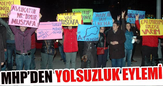 MHP'den Fatih'te yolsuzluk eylemi!