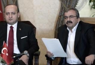 HDP Öcalan'dan 'görüntülü mesaj' istiyor, AKP reddetmedi !