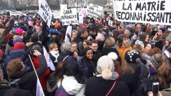 Paris'te Trump Karşıtı Kadın Yürüyüşü Düzenlendi