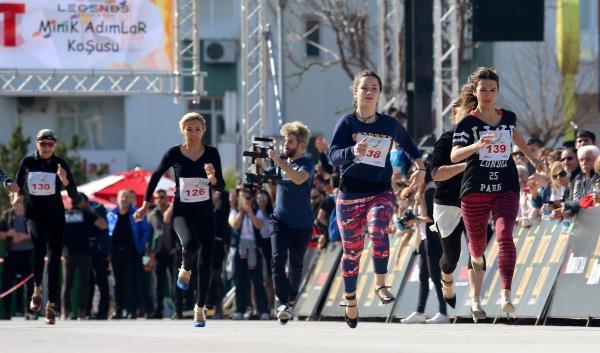 Kadınlar Yüksek Topuk'la Koştu