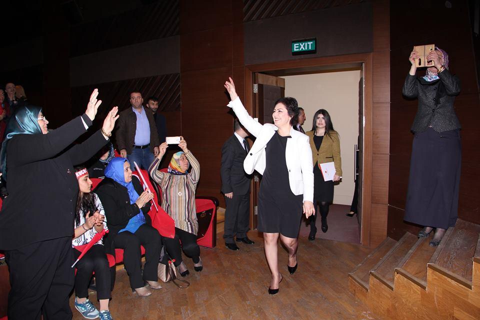 MHP'li Kadınlar İstanbul'da Buluştu
