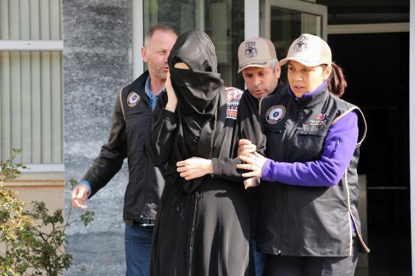 Fetö'den Tutuklanan Babasını Görmeye Gitti, Gözaltına Alındı