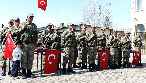 PKK'NIN 32 KİŞİYİ ŞEHİT ETTİĞİ MAHALLEDE KORUCULAR YEMİN ETTİ