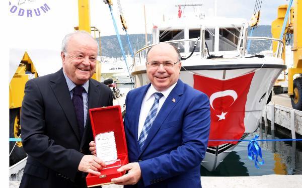 Deniz Ambulansı 'Yaşam' Törenle Hizmete Alındı