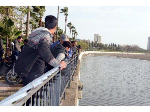 Balık Yerine Oltaya Kalaşnikof Takıldı