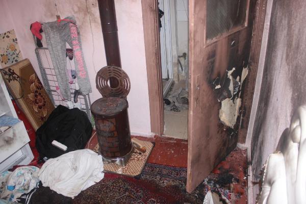 Sobaya Dökülen Benzin Bomba Gibi Patladı: 3 Yaralı