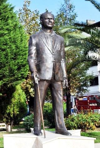 Ordu'da Atatürk Heykeli Tartışması