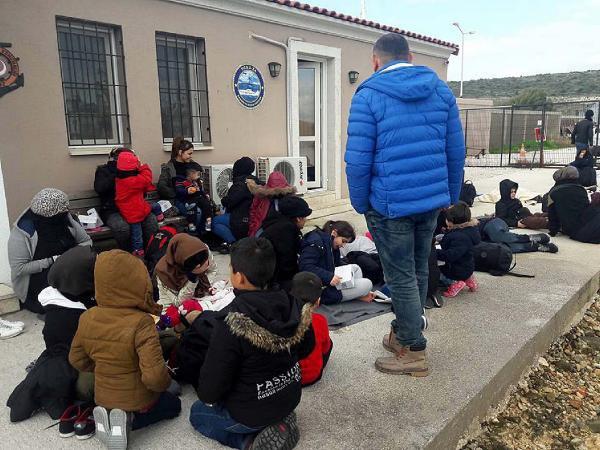 Çeşme'de 8 İnsan Kaçakçısı Tutuklandı