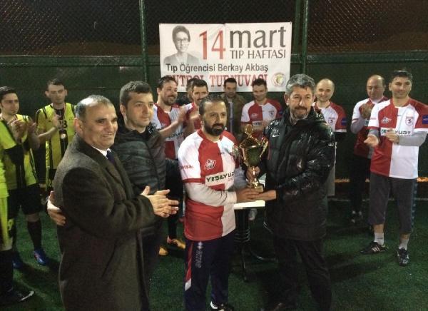 Bombalı Saldırıda Ölen Tıp Fakültesi Öğrencisinin Adı Hekimlerin Futbol Turnuvasına Verildi
