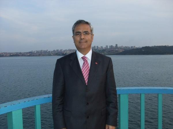 Ali Türkmen Kimdir?