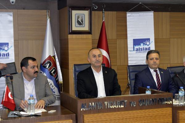 Bakan Çavuşoğlu Alanya'daki Hollandalılarla Buluştu