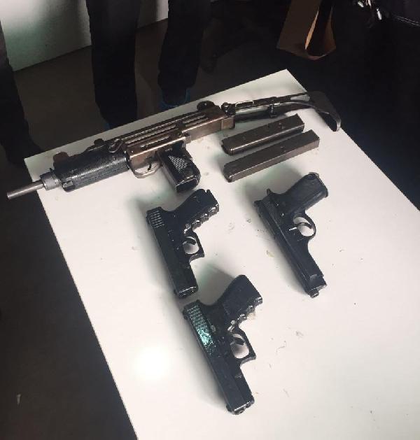 3 Pkk'lı İzmir'de Suikast Silahlarıyla Yakalandı