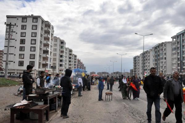 Diyarbakır'da Nevruz Alanına Bıçakla Girmek İsteyen 1 Kişi Vuruldu