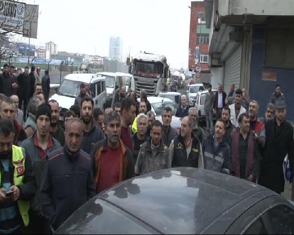 Kadıköy'de Oto Sanayi Sitesi Esnafının Yol İsyanı