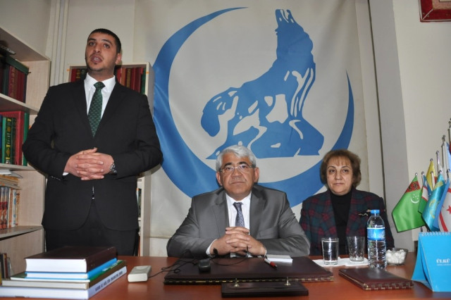 MHP'li Belediye Başkanı, Ülkücülere Eveti Anlattı