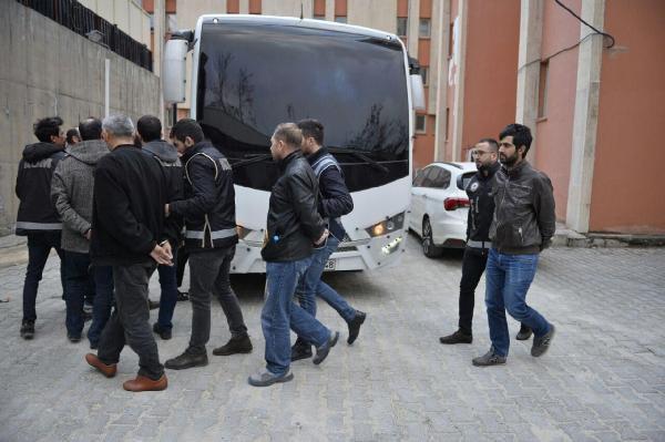 Mardin'de 17 Polis Fetö'den Tutuklandı