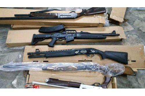 Otelin Bodrumuda Çok Sayıda Silah Ele Geçirildi