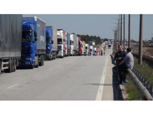 Bulgaristan Yavaş Davranınca, Sınırda 7 Kilometre TIR Kuyrukları Oluştu