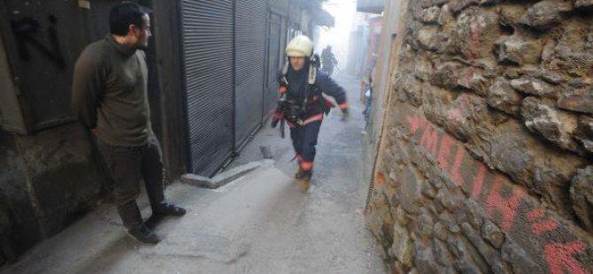 Karaköy-perşembepazarı'ndaki Yangın Paniğe Yol Açtı