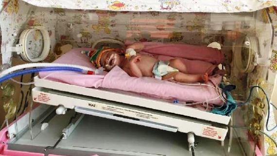 Yeni Doğan Bebeği Türbe Önüne Terk Ettiler