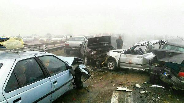 Zincirleme Kaza: Yüzlerce Araç Birbirine Girdi