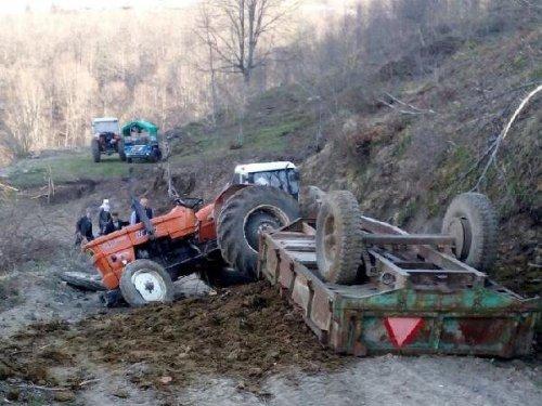 Devrilen Traktörün Altında Kalan Hanife Öldü