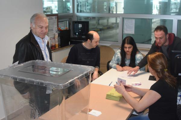 Kapıkule'de Referandum Oylaması Başladı
