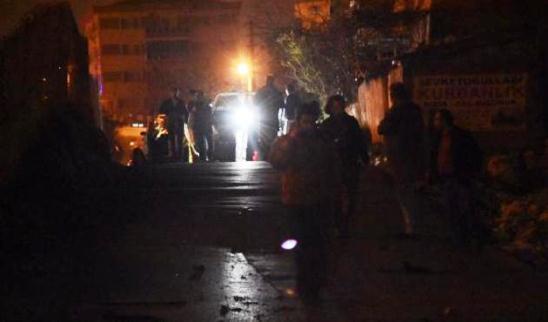 İzmir'de iki ayrı patlama!