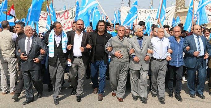 Kerkük'te Türkmenlerden 'BAYRAK' protestosu