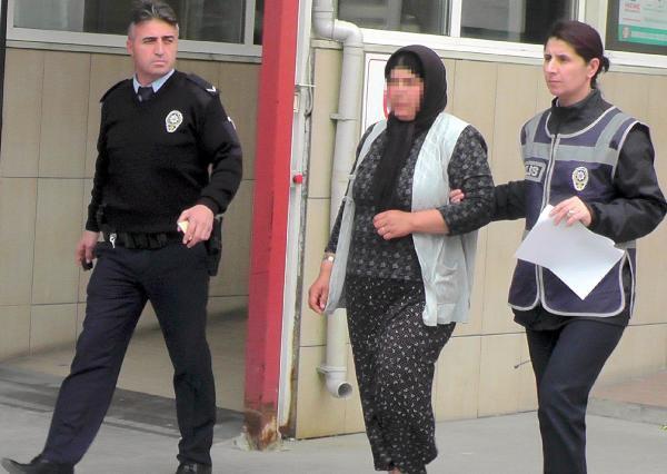 Hırsızlık İçin Girdiği Evde Yakalanan Kadın 'Aşeriyorum' dedi