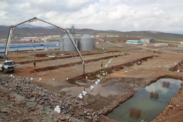 Bingöl'de İlaç Fabrikasının Temeli Atıldı