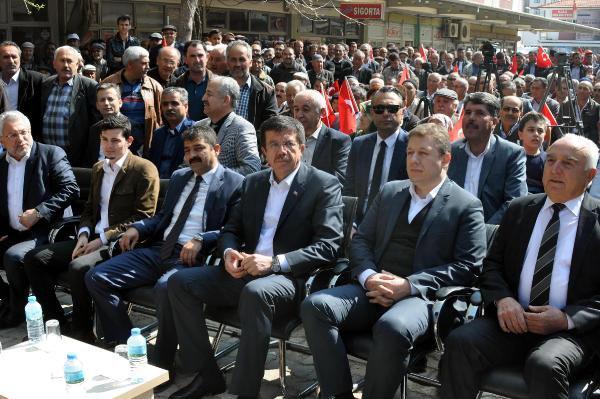 Bakan Zeybekci'den Takım Elbise Sözü