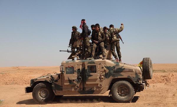 RAKKA Operasyonu Sürüyor, YPG'lilere Zırhlı Hummer'ler