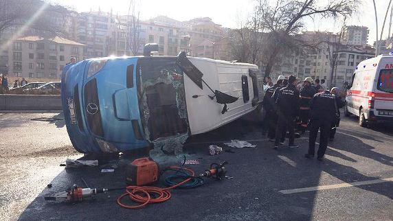 El Freni Çekilmeyen Araç Konya Yolu'na Çıktı...