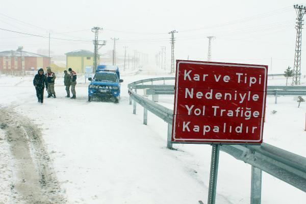 Ilgar Dağı'nda Kar ve Tipi Etkili Oldu