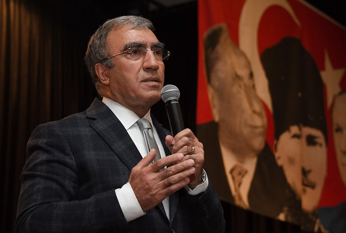 "MHP'Lİ ÖZTÜRK ""GEÇMİŞİMİZ BİZİM TEMİNATIMIZDIR"""