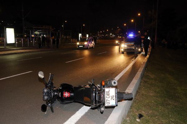 Kasksız Motosiklet Kullanan 17 Yaşındaki Genç Hız Kurbanı Oldu
