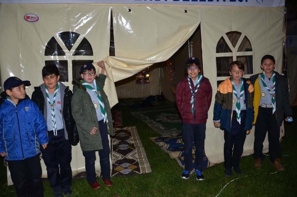 57'nci Alay'ı Anmak İçin 200 Çocuk İzci Çadır Kurdu