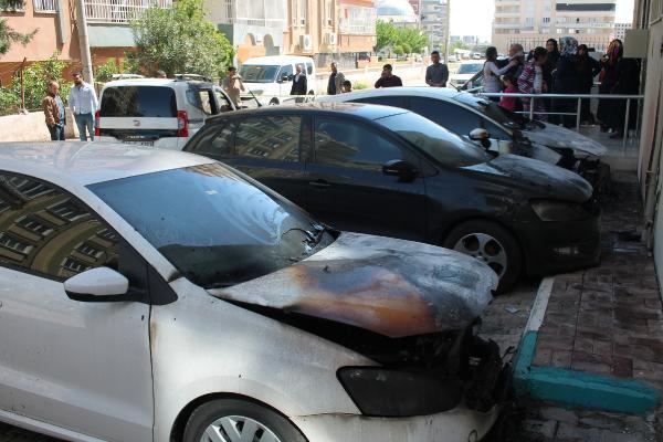Şanlıurfa'da Park Halindeki Dört Araç Kundaklandı