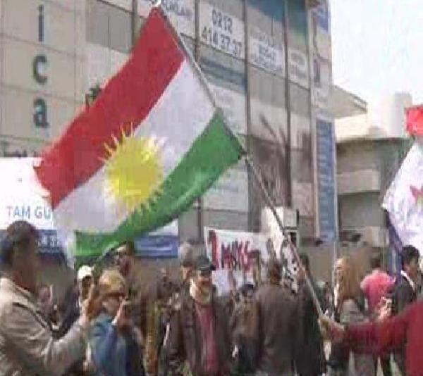 Bakırköy'deki 1 Mayıs Kutlamasında 'Irak Kürt Bölgesel Yönetimi Bayrağı
