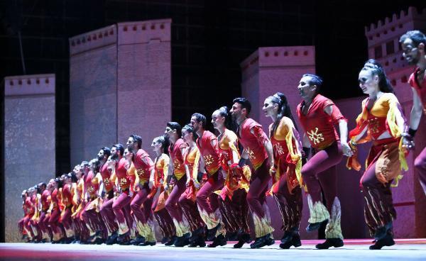 Anadolu Ateşi'nden Antalya'da Gala Gösterisi
