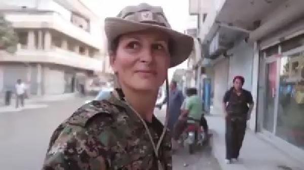 'YPG'ye Katılan Kanadalı Manken Kobani'de