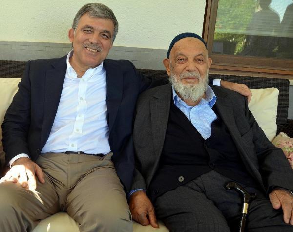 11. Cumhurbaşkanı Abdullah Gül, Babasını Kaybetti