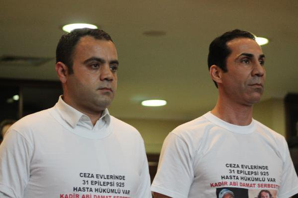 Topbaş'ın Damadının Tahliyesine Tişörtlü Protesto