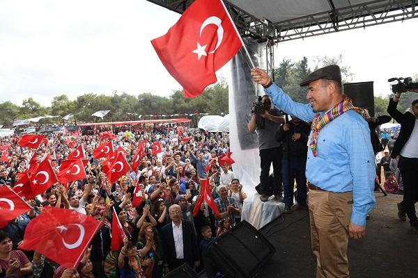 """Huseyin Sözlü: """"Yörük Türkmenler Türk Milleti'nin ve ülkemizin teminatıdır"""""""
