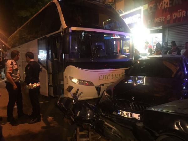 Gaziosmanpaşa'da Trafik Kazası: 1 Yaralı