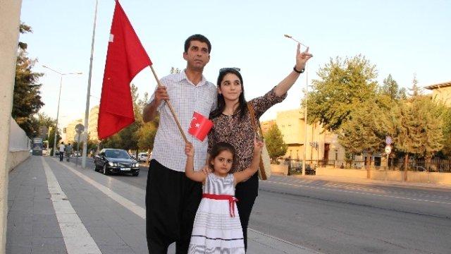 Diyarbakır'da terörü protesto eden tek vekil adayı!