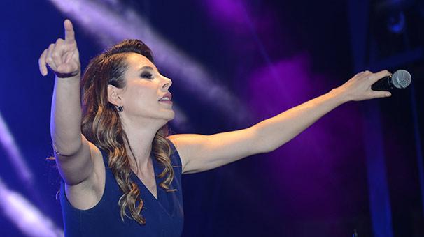 Çankaya Belediyesi 19 Mayıs'ı Funda Arar Konseri İle Kutladı