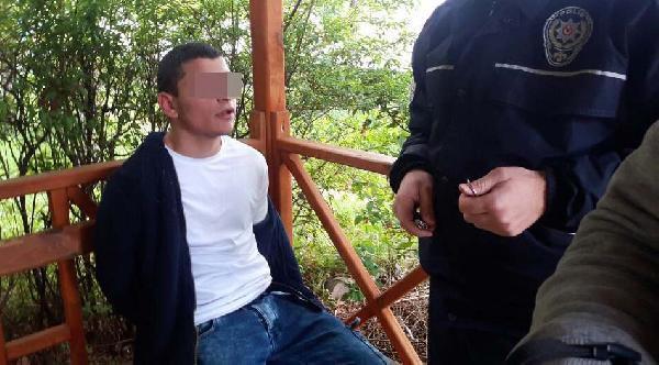Polis arkadaşını silahla korkutan genci suç üstü yakaladı
