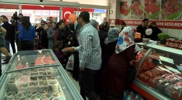 Vatandaş Ucuz Et İçin Et ve Süt Kurumu Mağazalarına Akın Etti